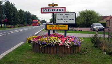 View of Oye-Plage road sign